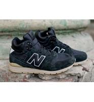 New Balance 696