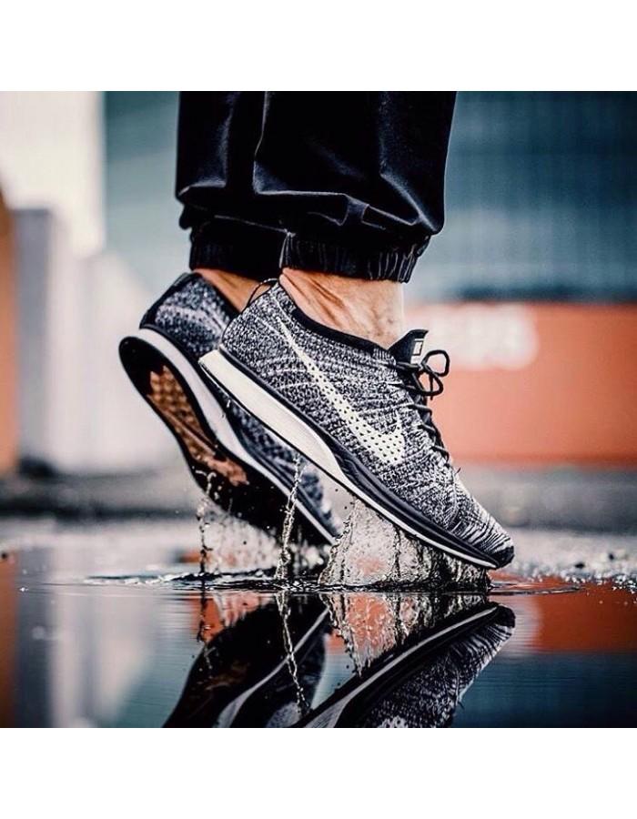 Nike Flyknit Racer Oreo